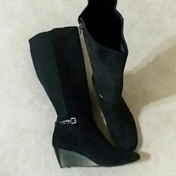 a0fb773eabbf Dana Buchman Shoes - Dana Buchman wedge tall boots. Black sz 10